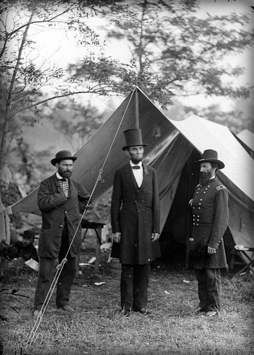 Pinkerton, Lincoln and McClernand, Circa Civil War. Image: Library of Congress.