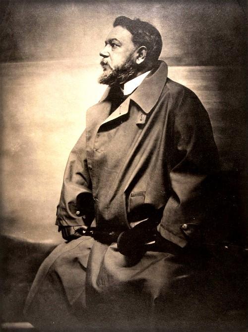 Platinum Print of Joaquin Sorolla by Gertrude Käsebier, 1908. Image: Wikipedia.