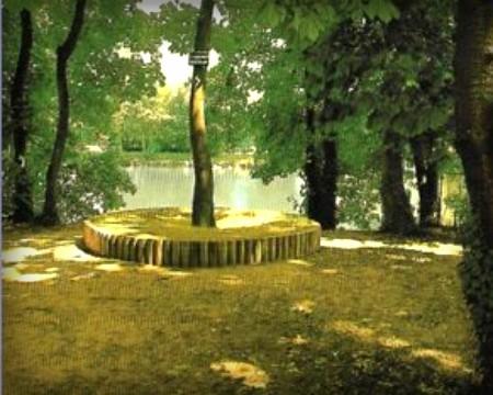 La Grenouille Photograph. Image: KiamaArtGallery.com.
