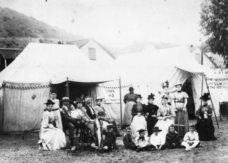 Santa Catalina Island, Exposition Group, 1890s. Image: WaterAnd Power.org.