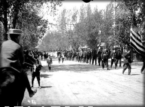 Victorian July Fourth Parades-Salida Chaffee County, Colorado, c. 1900s. Image: Vintage Everyday.