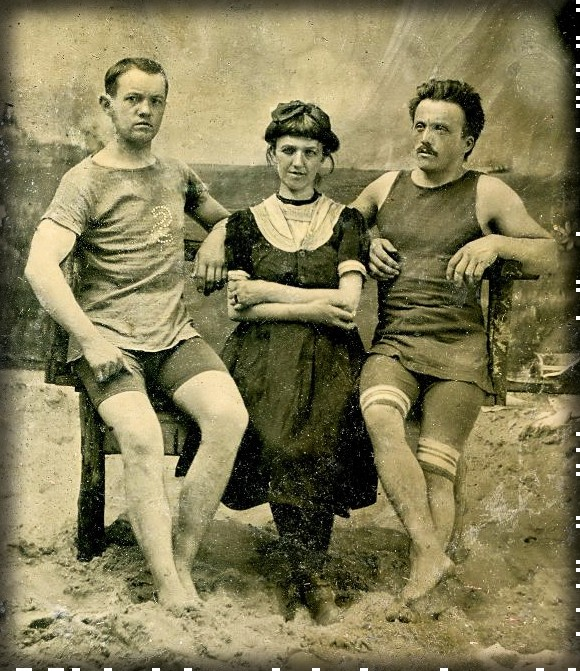 Kellermann Swimsuits, c. 1910. Image: Vintage Everyday.