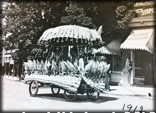 Victorian July Fourth Parades-Ashland, Oregon, 1912. Image: Ashland Library.