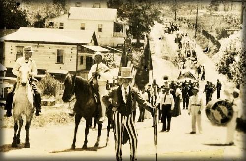 Victorian July Fourth Parades-Calaveras County, California, c. 1900. Image: Vintage Everyday.