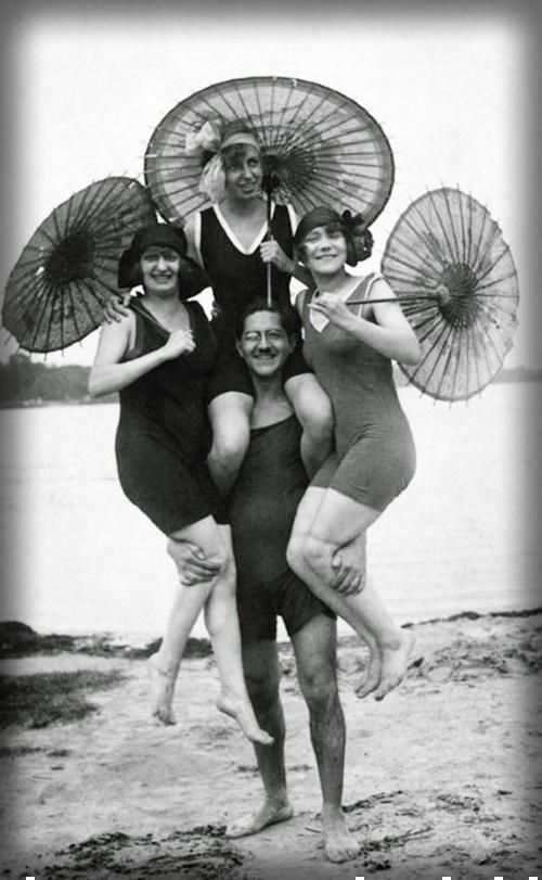 Beachgoers in Berlin, c. 1920s. Image: Wikipedia..