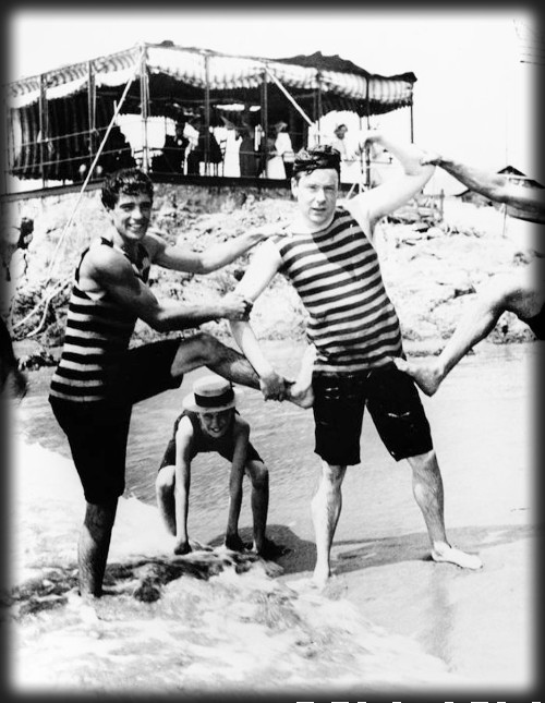 Newport Bathers c 1895. Image: Library of Congress.