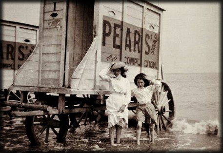 Victorian Seaside Images, Woman and Girl At Bathing Machine c. late 1890s. Image: Library of Congress.