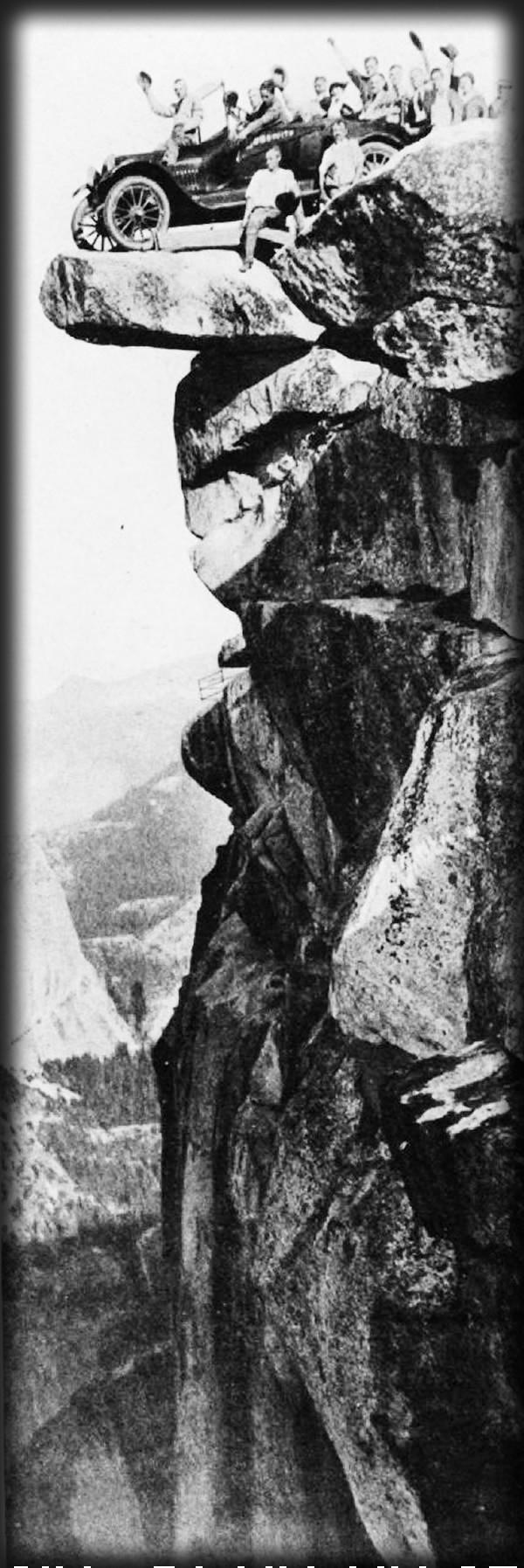 Glacier Point, c. 1916, Publicity shot of a Studebaker Roadster. Image: Vintage Everyday (vintage.es.)