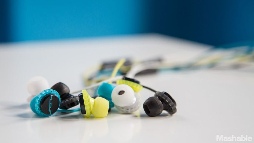 Sol_republic_earphone-19