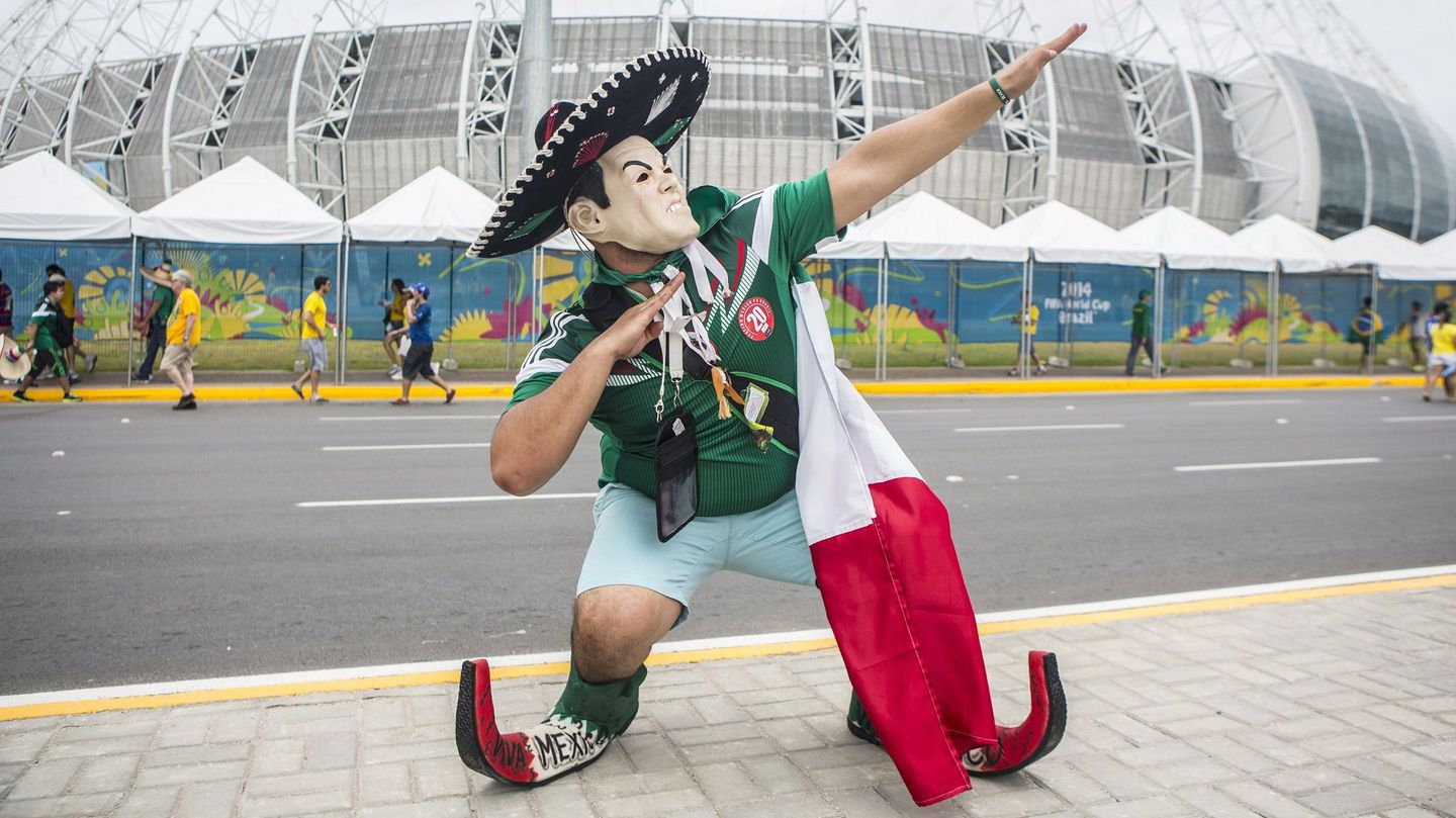 Mexico-mask-fan-world-cup