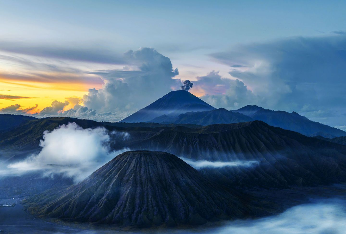 Indonesia%20surabaya%20mt%20bromo%20by%20pradeep%20raja
