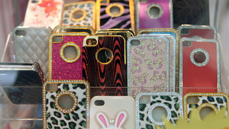25-crazy-iphone-cases-you-can-buy-in-new-york-0a8498d31d
