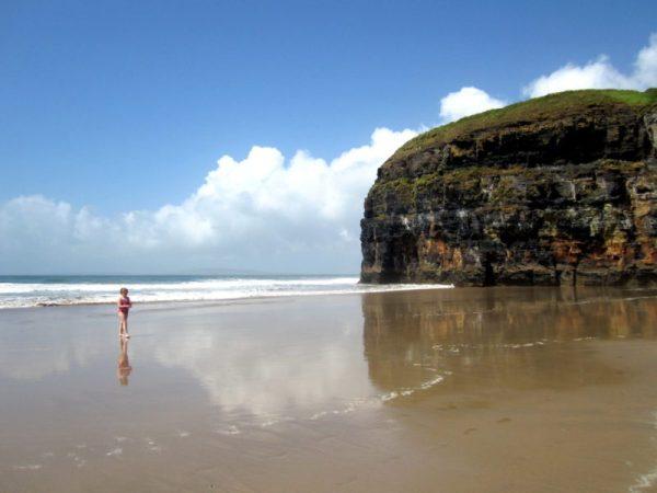 Ladies Beach plage et falaises irlande