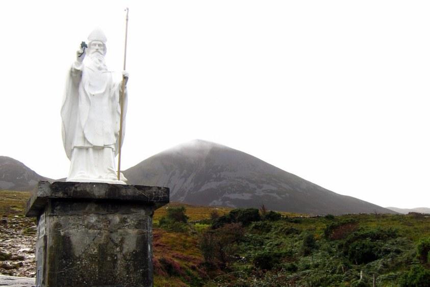 saint patrick chasse les serpents d'irlande