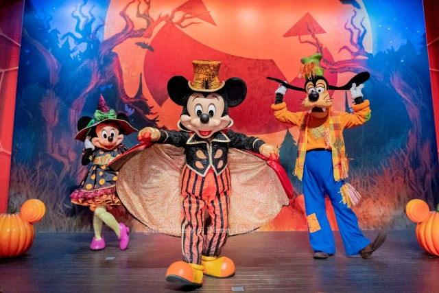 Disneyland Paris Halloween personnage Selfie Spot Mickey Minnie