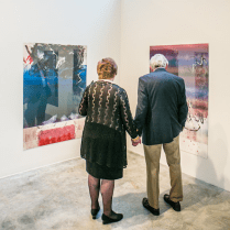 grand-center-st-louis-contemporary-arts-museum-couple-looking-at-artwork