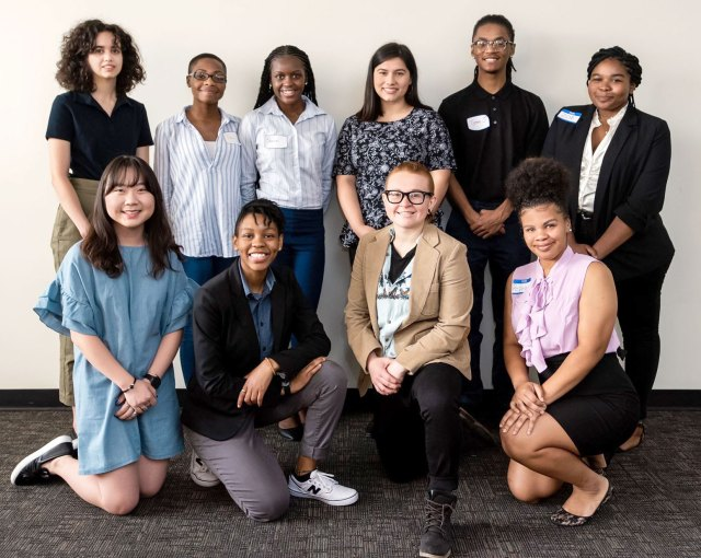 Group of 10 college students who were the 2019 Gyo Obata Fellows