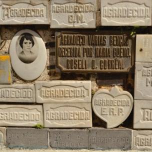 Devoção a Maria Bueno - Cemitério Municipal