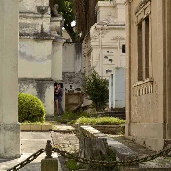 Amasso no cemitério - Curitiba