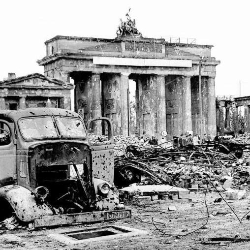 Portão de Brandenburgo 1945