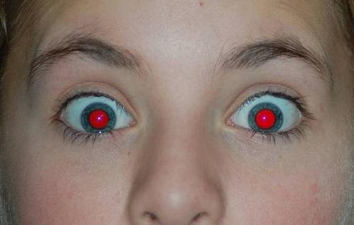 Foto com olhos vermelhos