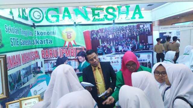 STIES Ganesha Berikan Beasiswa 100 Persen Tamat Bagi 200 Masyarakat Jakarta Fakir Miskin Duafa