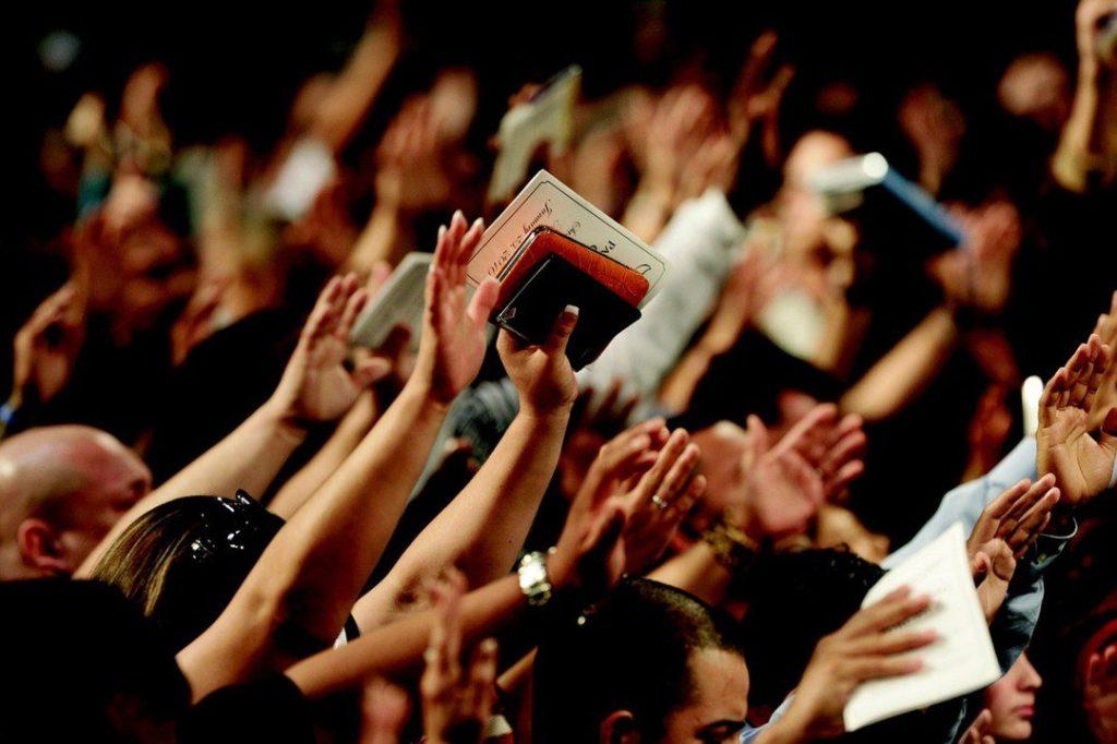 Em tempos distópicos, a religião vai assumir o poder no Brasil - foto< Pixabay