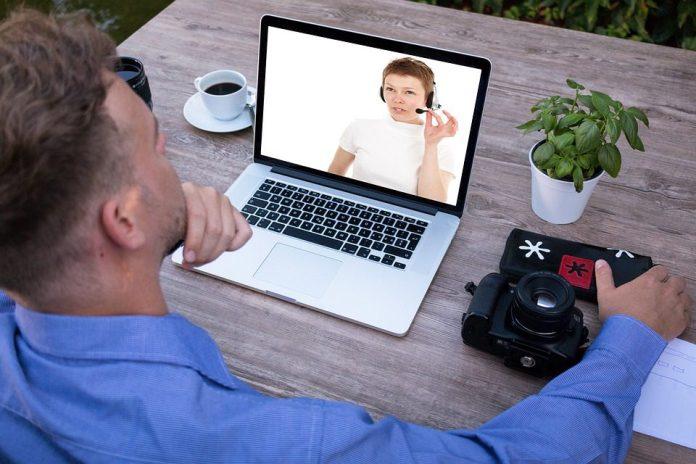 O contato pessoal não precisa ser mais presencial e isso já não é mais novidade. A videoconferência revolucionou nossa vida e isso é fato já conhecido. Foto: Pixabay