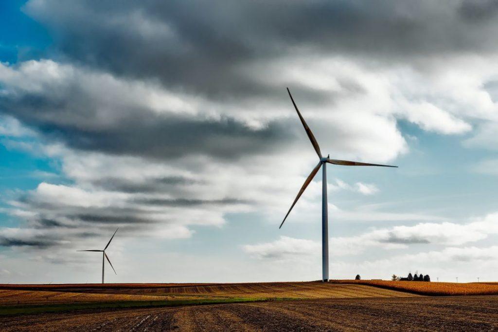 Eólica é a segunda fonte de energia renovável que mais emprega depois do biocombustível. Foto: Pixabay.