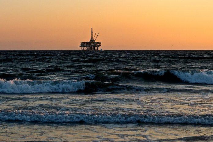 Especialistas analisam a geopolítica do petróleo em webinar do INEEP sobre impactos da Covid-19