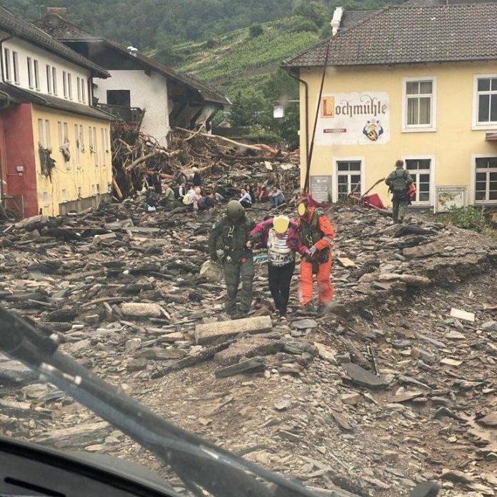 notas econômicas: imagem da devastação provocada por enchentes no interior alemão