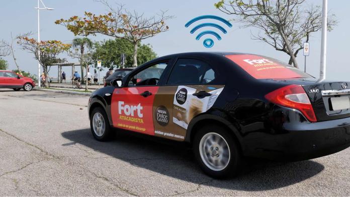 alternativa de renda para motoristas: anuncios adesivos em carros. foto: divulgaçao