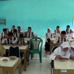 UNBK, Siswa SMPN 1 Brangsong Sarapan Gratis