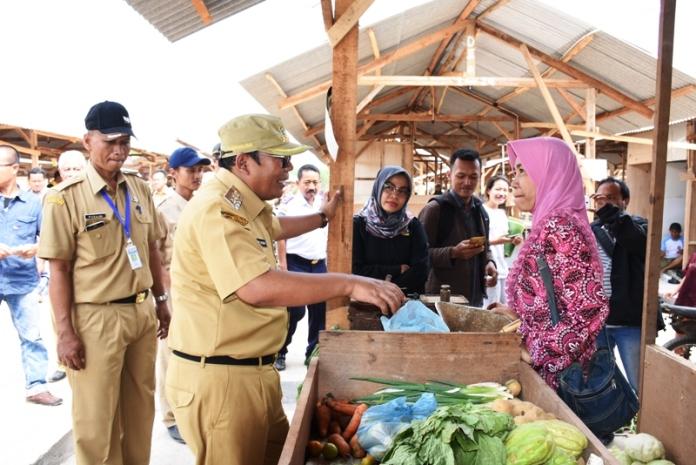 Melihat Para Pedagang Pasar Induk Kedungwuni Menempati Pasar Darurat
