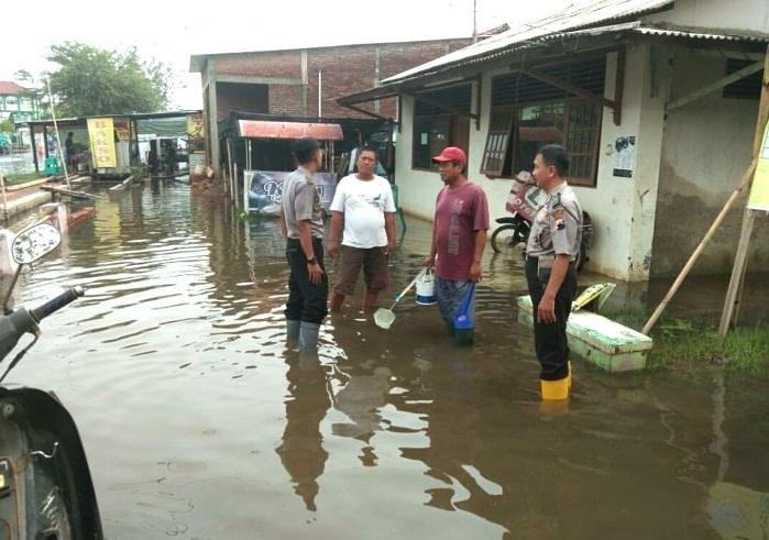 Bhabinkamtibmas Diperintahkan Selalu Pantau Daerah Rawan Banjir