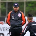 Corinthians usa semana livre para aproximar Jair Ventura dos jogadores