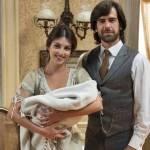 Orgulho e Paixão: Cecília e Rômulo encontram um bebê na porta de casa
