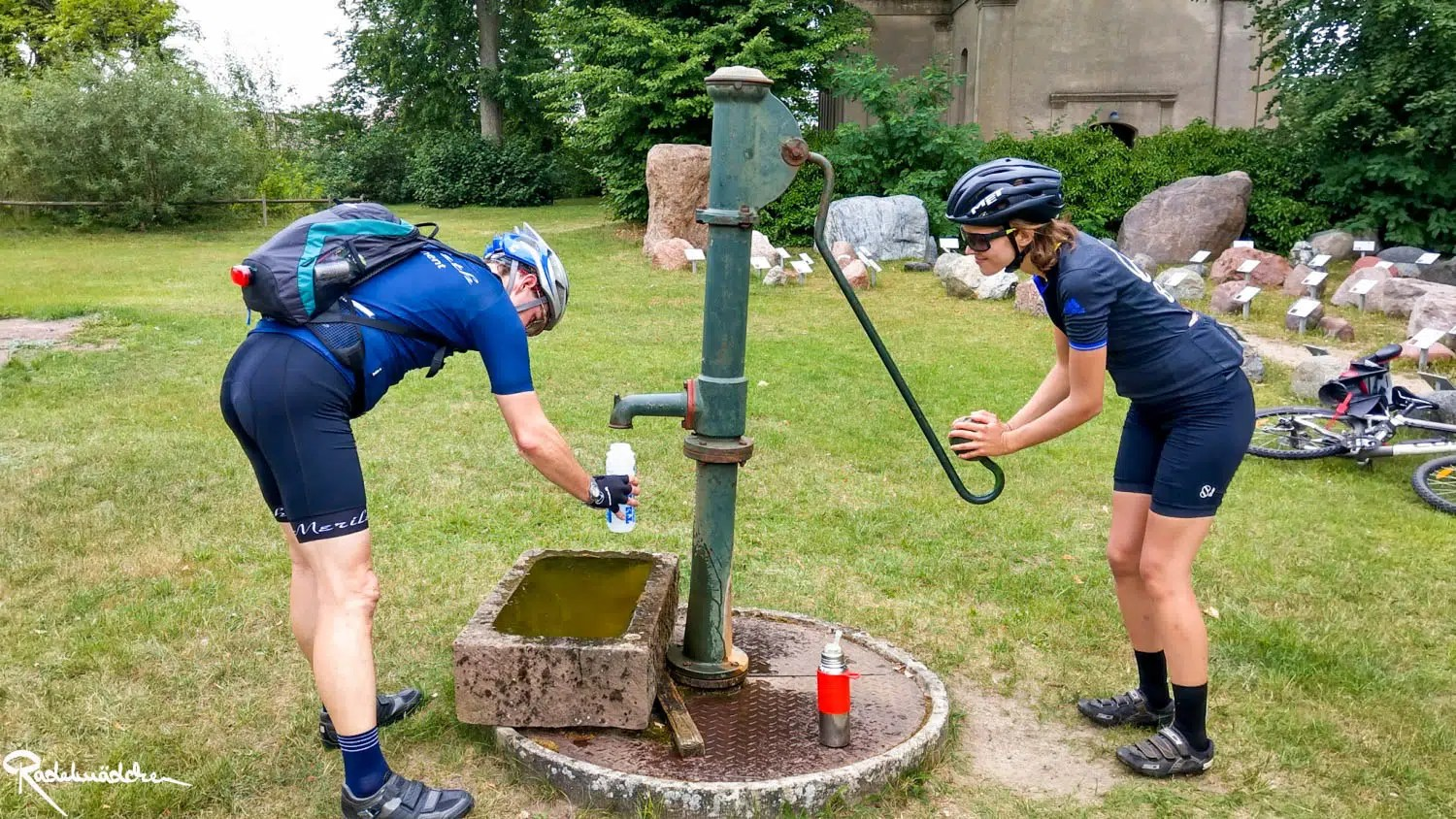 Cyclists get water