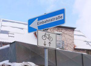 Unechte Einbahnstraße