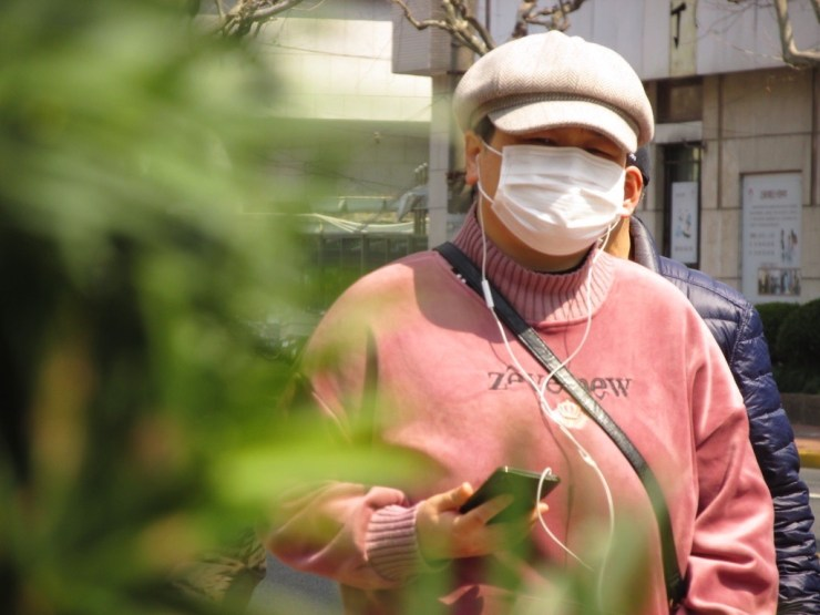 You should wear a mask to protect against COVID-19 coronavirus