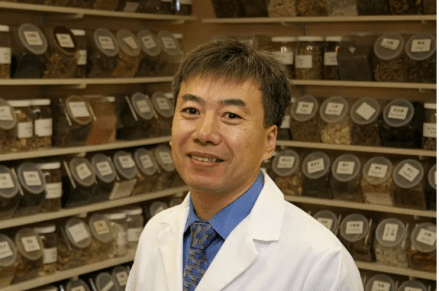 Dr Dayong Hou is a co-founder and partner helping Radiant Shenti heal people through Chinese medicine TCM