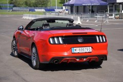 ford-mustang-cabrio - 12
