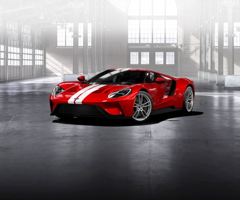 GT Configurator: Liquid red Ford GT frozen white stripe front th