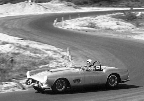 @Ferrari 250 GT LWB Spider California-1451 - 35