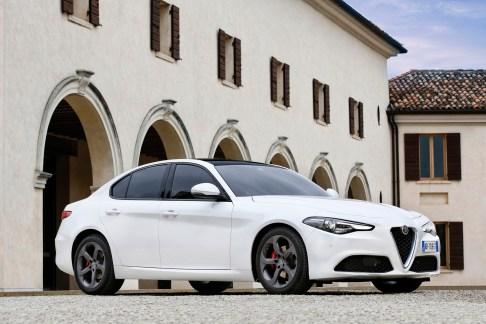 Alfa Romeo Giulia - 33