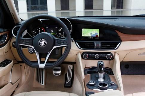 Alfa Romeo Giulia - 37