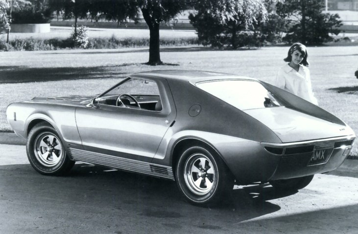 1966_Vignale_AMC_AMX_Concept_Car_01_1
