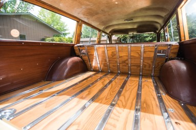 1950-chrysler-royal-town-and-country-station-wagon-7
