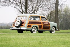 1950-ford-v-8-custom-deluxe-station-wagon-3