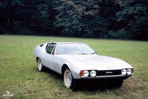 1967-Bertone-Jaguar-Pirana-01